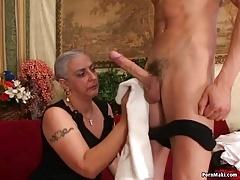 Mamma Butt slam