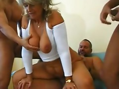 Mature like to be fucked