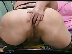 Big Titts Mom R20